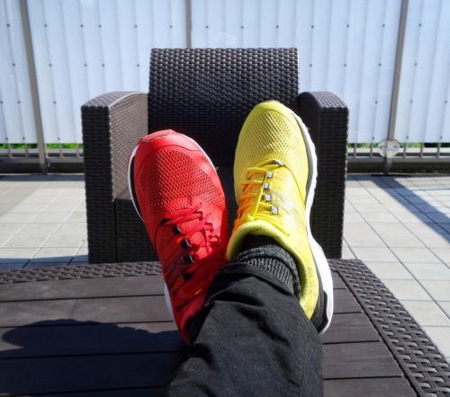 違い 靴の色