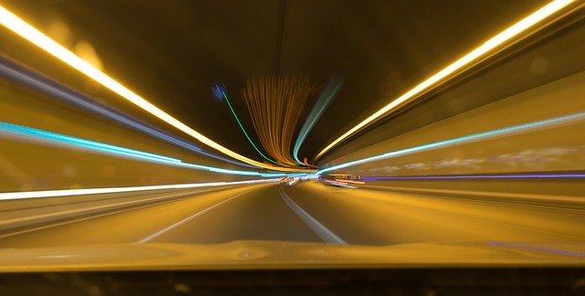 スピードアップ 道路