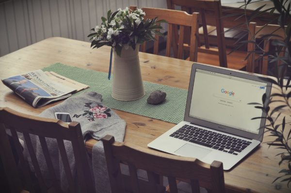 Googleを開くパソコン